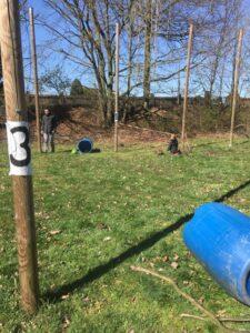 Afbeelding met gras, buiten, veld, blauw Automatisch gegenereerde beschrijving