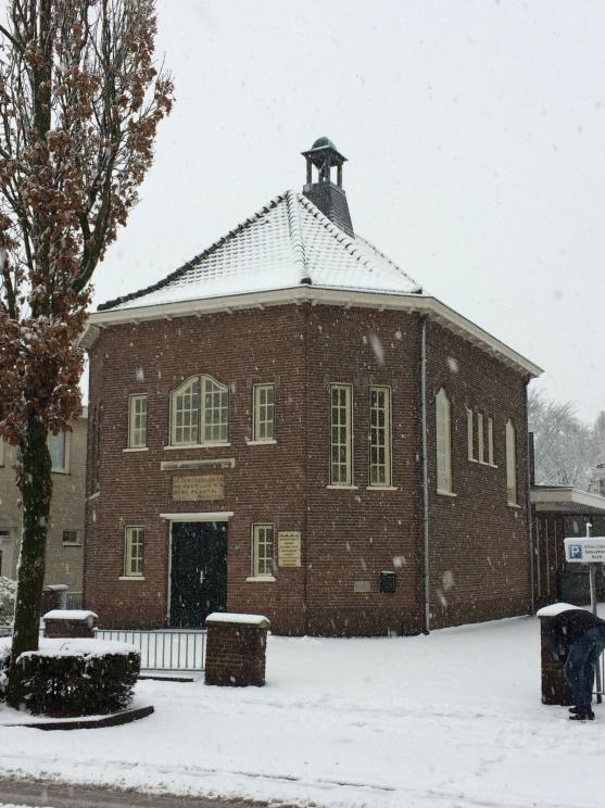 2017-12-10 Bethelkerk in de sneeuw